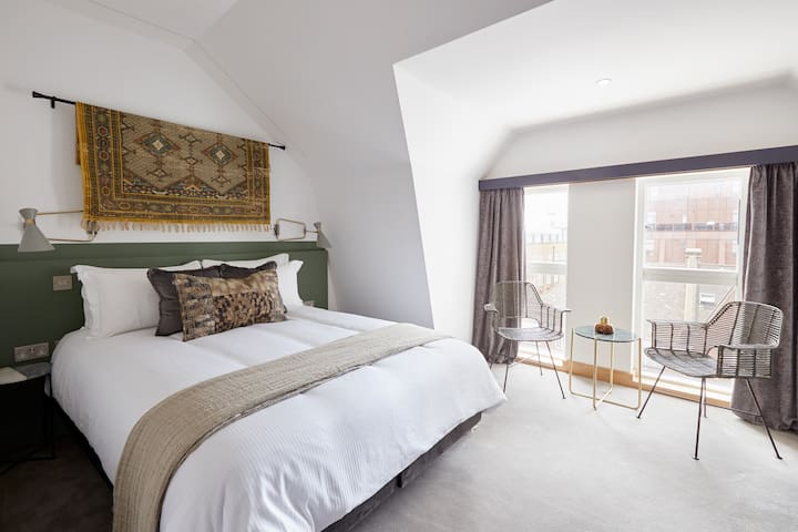 Sonder | Edgware Road Hotel | Lovely Room