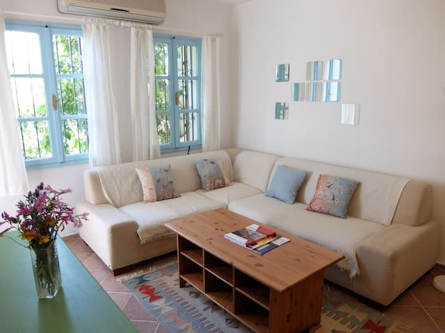 Rustic 2 BR apartment near Bodrum Marina/downtown