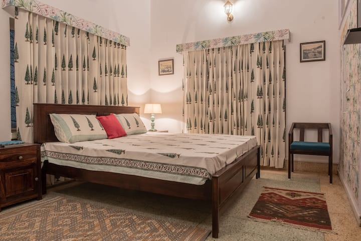 Private Room with Garden & Kitchen *Pet Friendly*