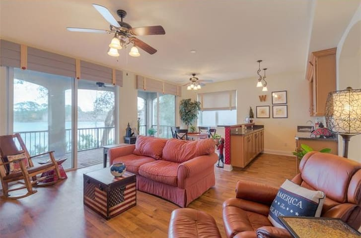North Deland waterfront escape for two!