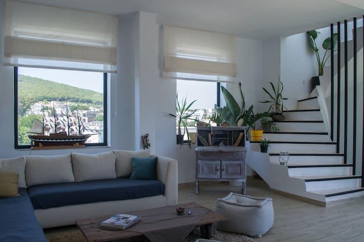 Le Panoramique : Triplex Moderne Vue Sur Mer