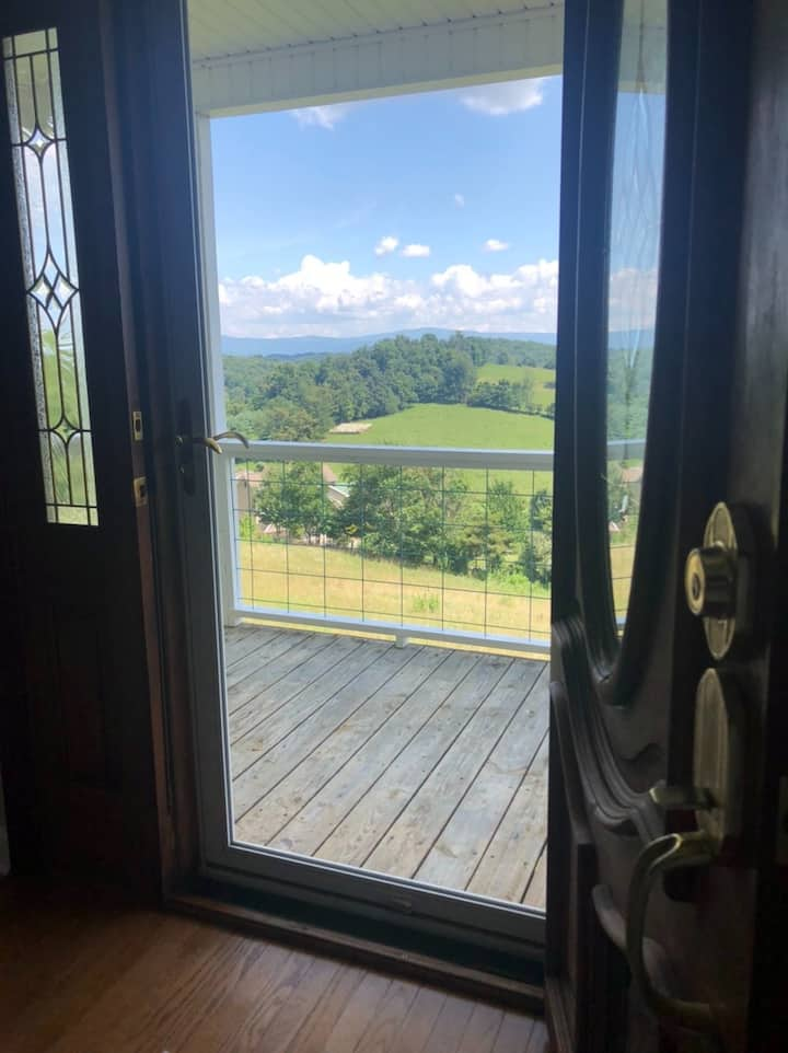 Abingdon home with a view