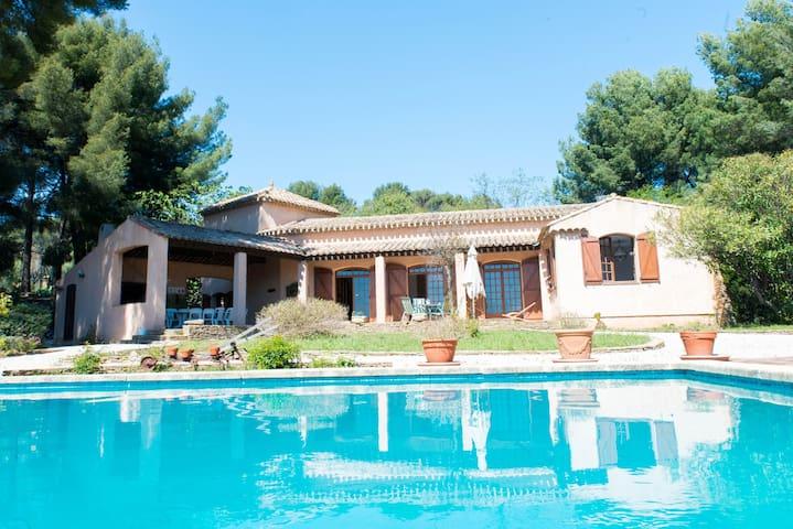Villa provençale à la Cadière d'azur ( Var ) - La Cadière-d'Azur - Haus