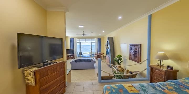 Al Mare Beachfront Spa Suite