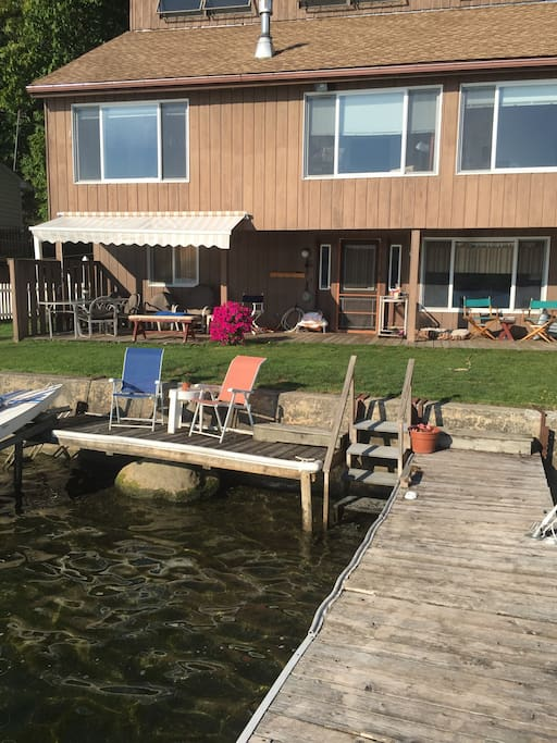 Dock deck seating area