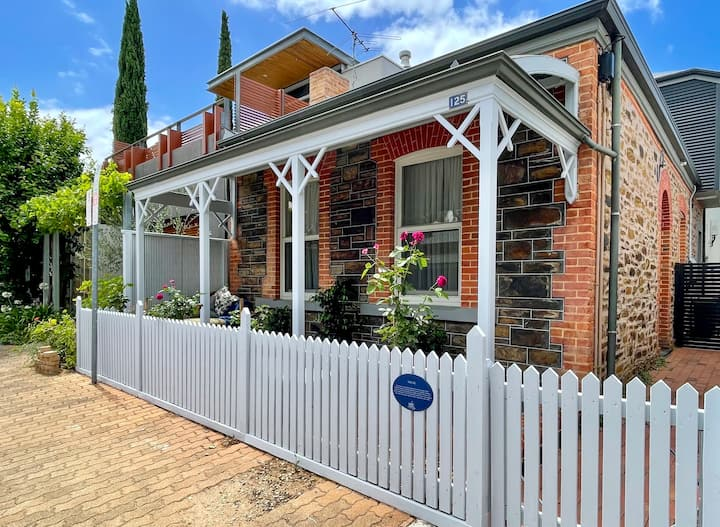 Magpie Cottage - heritage meets modern comfort!