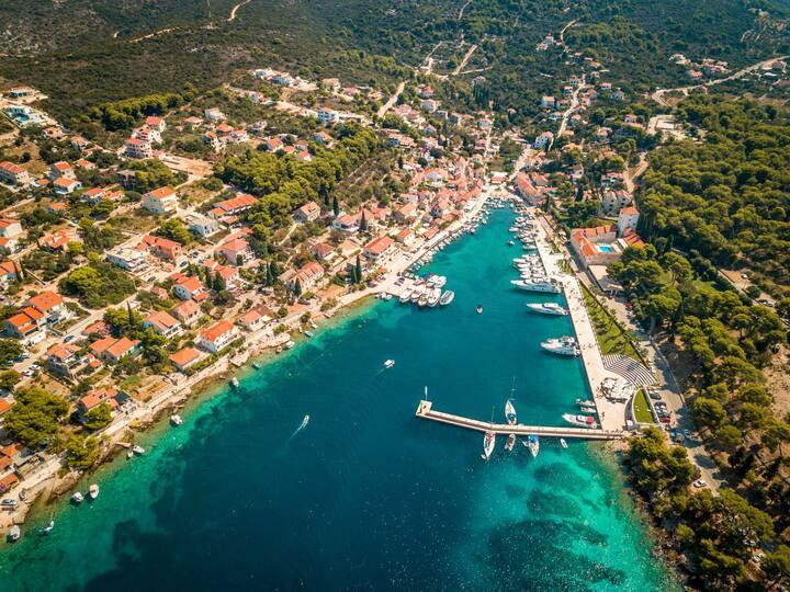Malinica town on Solta island