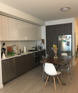 Modern large 1 bedroom in luxury building in SoMa - San Francisco