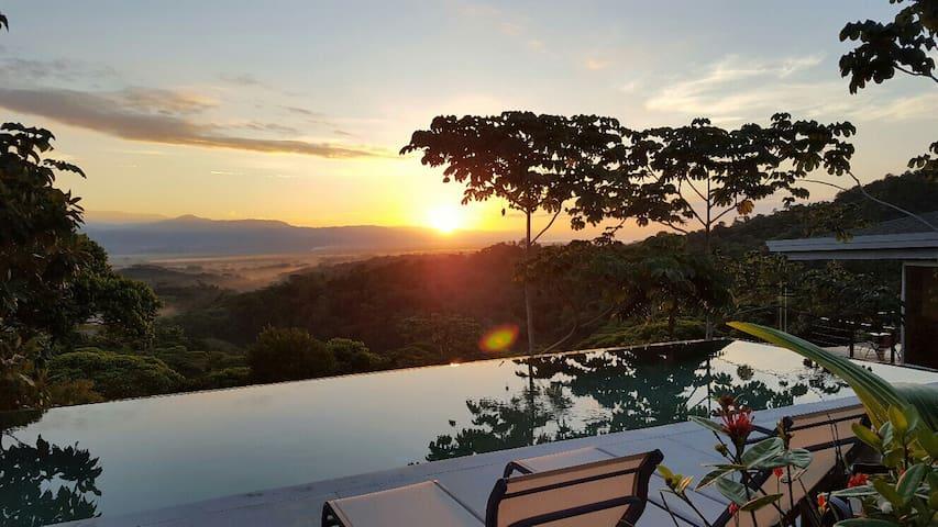 "CASA LIBERTINN "" Iguane ""  2 pers terrasse privée"