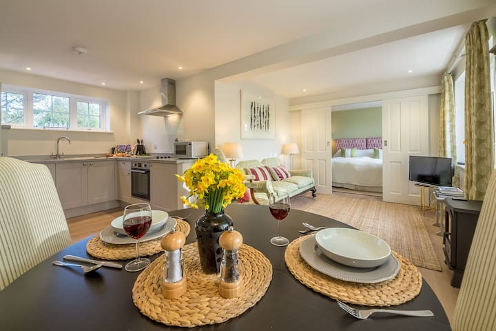 Ground floor: Open plan layout with kitchen, dining and seating area
