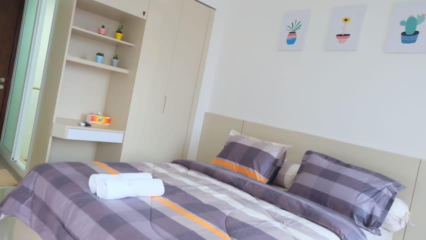 (9) V Apartment Yogyakarta +WIFI+NETFLIX+POOL