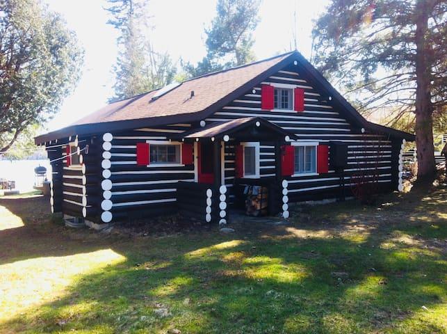 Muskoka Waterfront Cottage