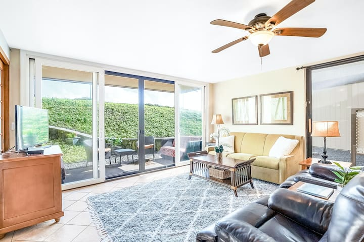 Oceanfront Condo with Shared Pool & Hot Tub, WiFi, and Private Washer/Dryer