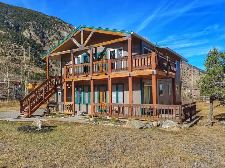 Scenic Summit Lodge (lower unit)
