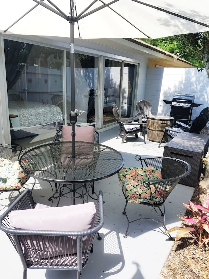 Patio Paradise, 1.6 miles to FSU Stadium!