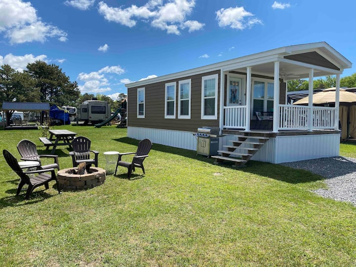 ⭐Real Tiny House⭐Sleeps 7/2Bdr w/ Fire Pit & Grill