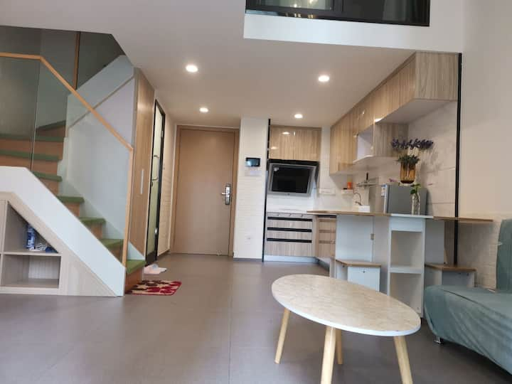 清新简洁两房复式loft,莞城碧桂园(近下坝坊,可园)有wifi和投影