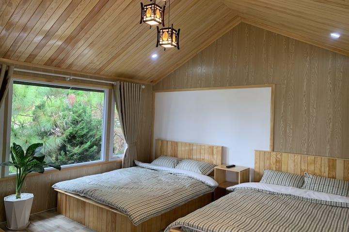 Gold & Ruby House- Quadruple Room
