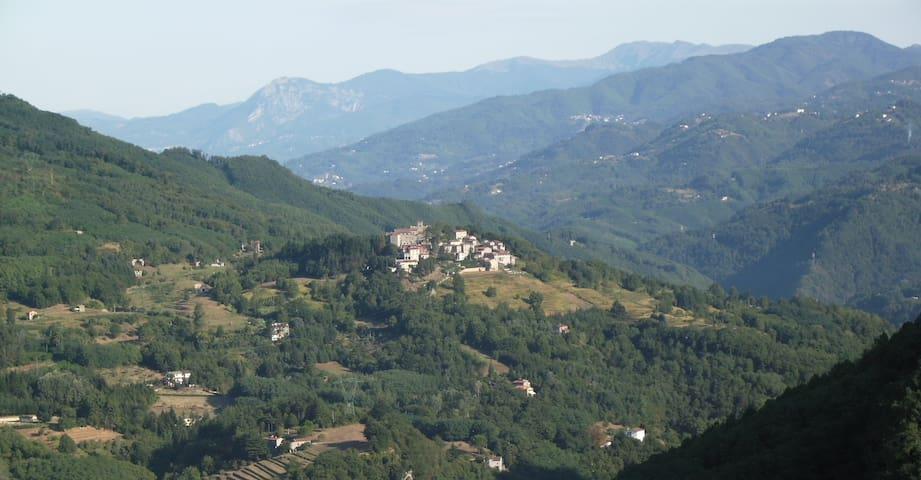 Casa Fucina in Corsagna Village - Corsagna - Huis