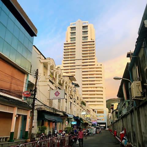 巴东塔海岸公寓