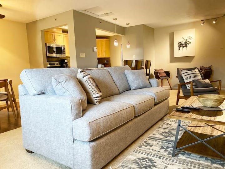 Northwest-Inspired Condo with modern amenities