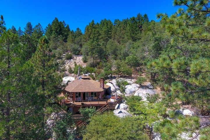 Spectacular Mountain Home. Dog friendly 2bd 2bth