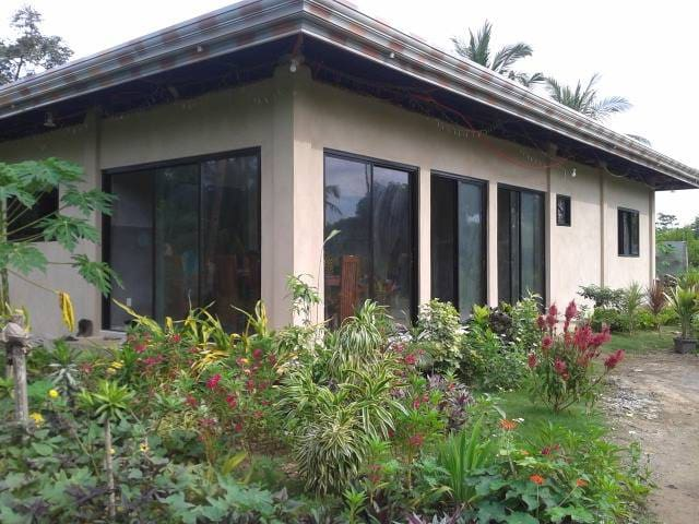 Private room for rent near Momo Beach - Panglao - Hus