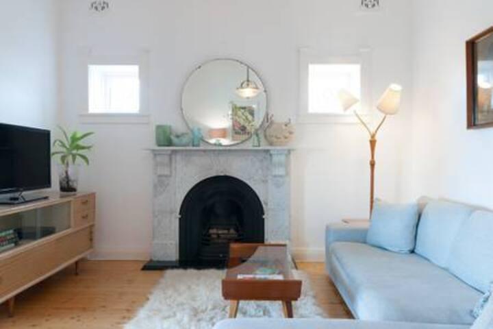 Private Room - Beach Apartment