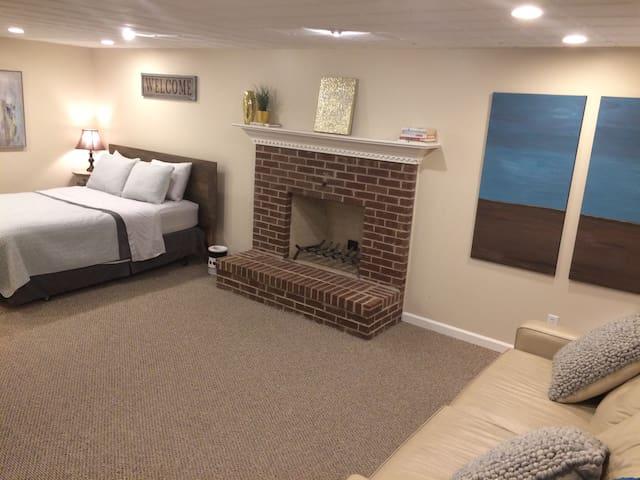 Fully Private, Studio-Style Suburban Suite