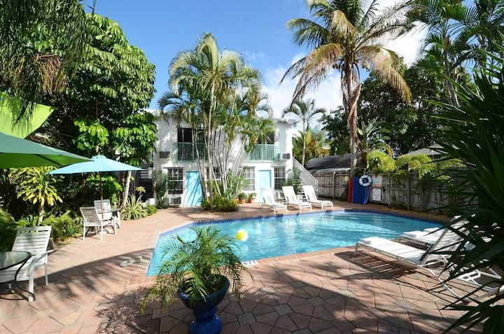 King Bedroom-Boutique Hotel w/Pool, Ft. Lauderdale