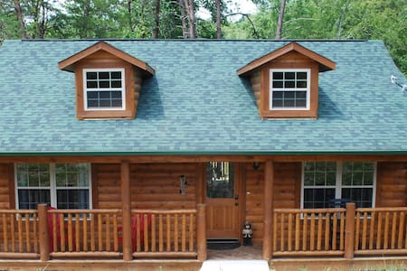 Enjoy our Sparkling Clean, Cozy Cabin! 5 Stars *