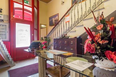 Hotel Antica Casa Sanna - Guspini - Guspini - Aamiaismajoitus