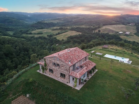 near Todi & Orvieto: Val Doglio casa7pers-view360°