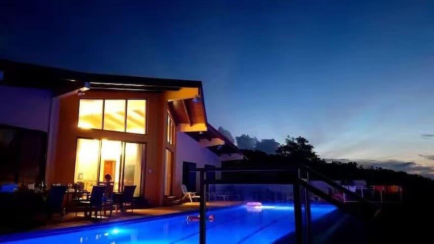 Villa's Sunset 别墅的傍晚