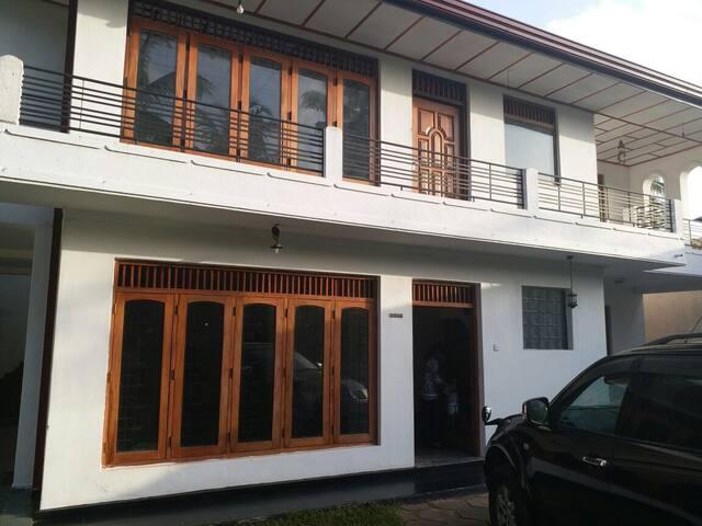 Cozy Villa