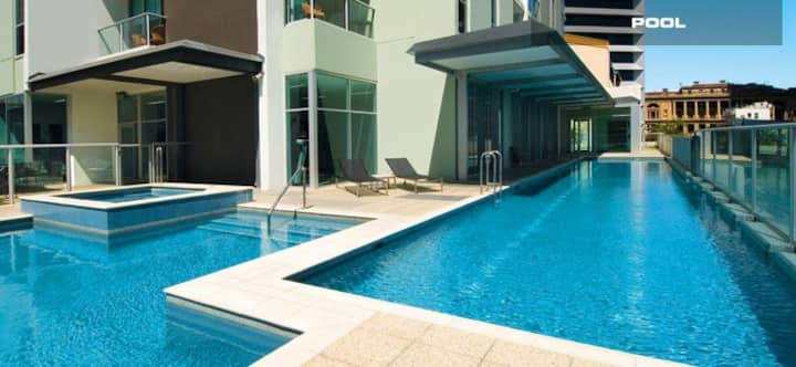 Brisbane CBD  pool gym  Private Room