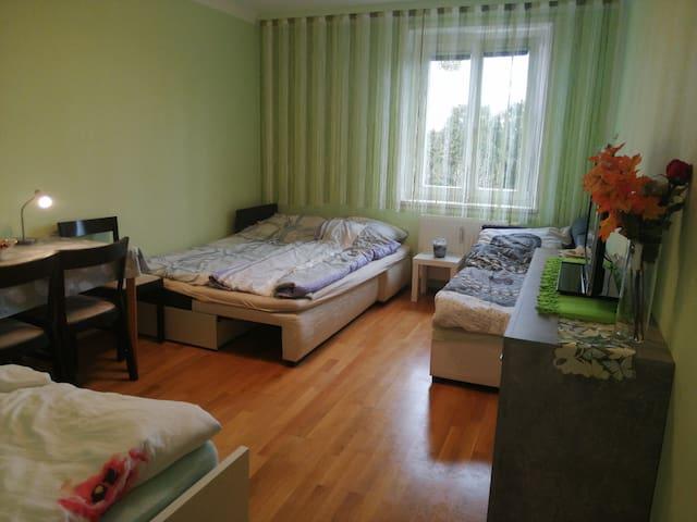 3kamb.bute nuomojami kambariai šalia Praterstern.