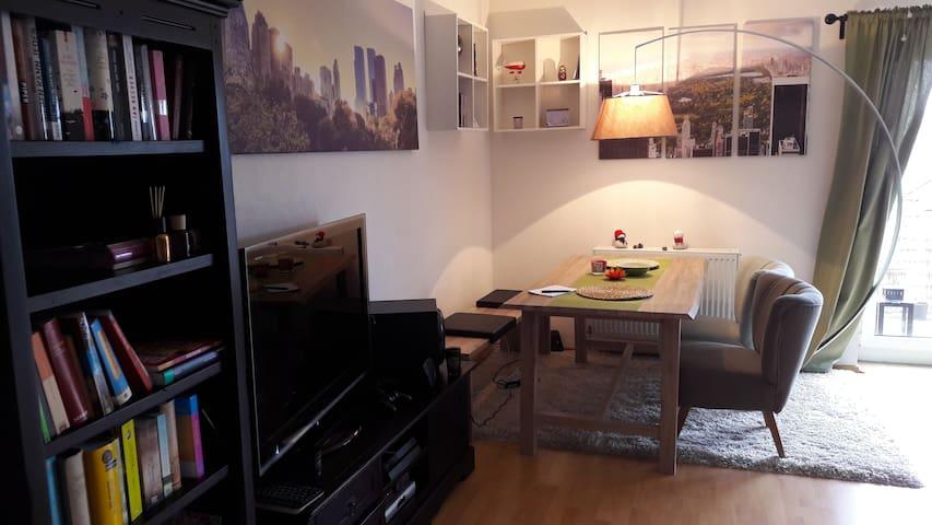 Gemütliche zwei Etagen Wohnung - Herbsleben - Apartamento