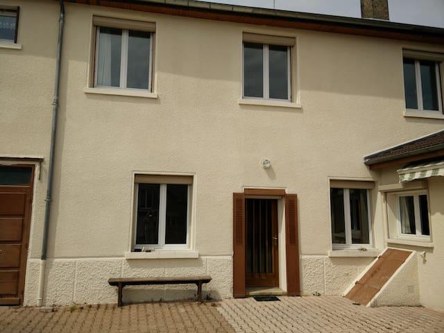 Maison Dijon - Dijón - Casa
