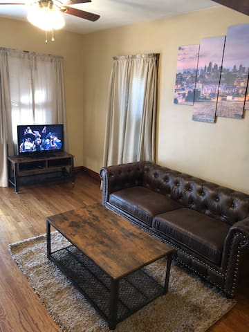 Strawberry Hill 2br Home