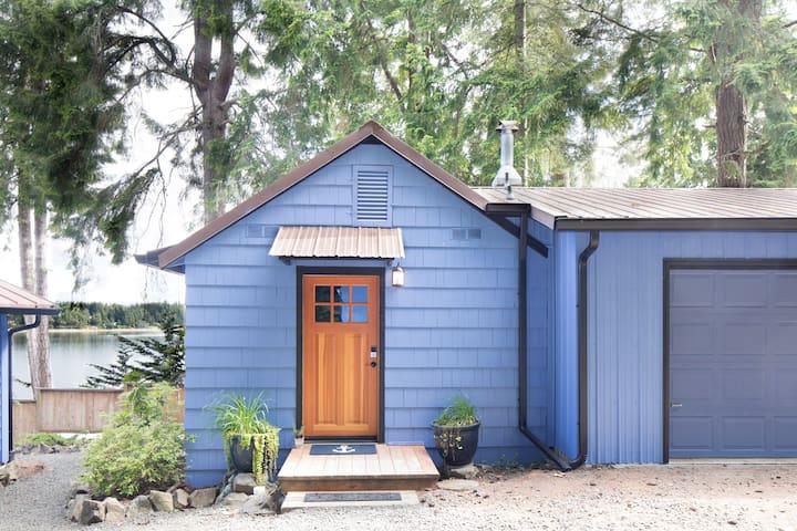 Cozy Puget Sound Studio Cottage - Beach Access