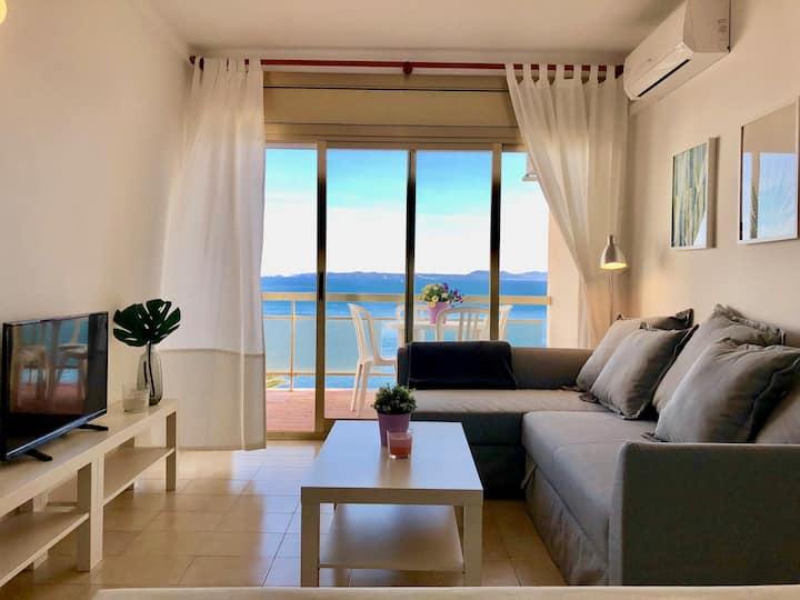 Pequeño apartamento a primera linea de mar