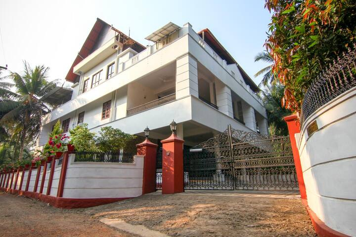 Riverside Inn Muttar Home Stay