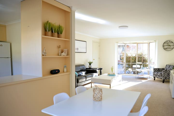 Beach Break at Pymble close to beach jetty & shops