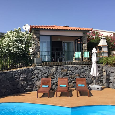 Romantic Villa - sea views and pool
