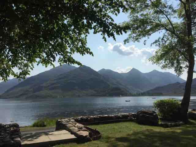 Beautiful room on Loch Duich near Isle of Skye