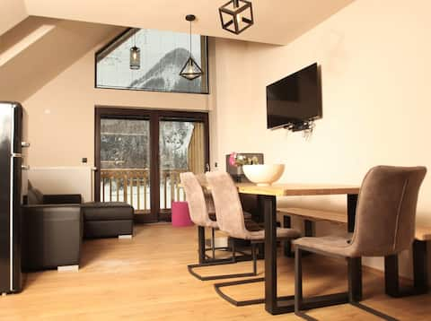 Duplex Suite with Balcony and Mountain View 5