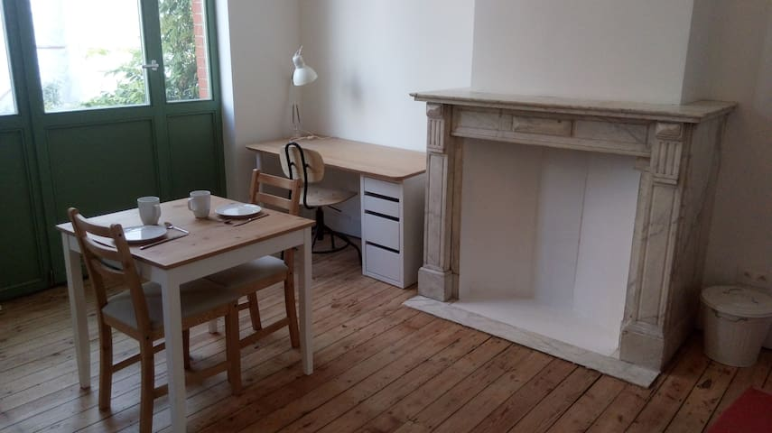 Jolie chambre pour 2 dans belle maison de maitre