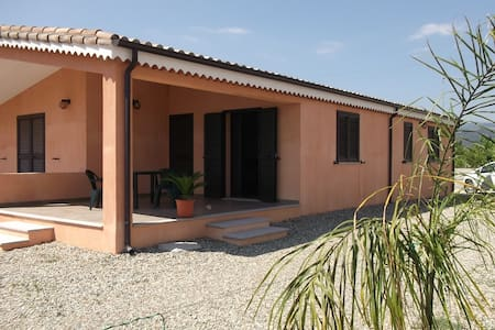 Detached house just a few minutes from the beaches - Cardedu