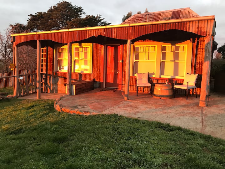 Central Springs Studio - Eco Retreat and Farmstay